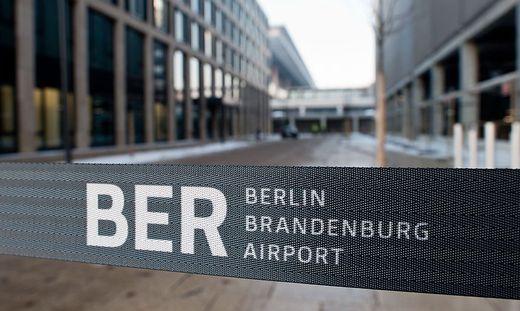 Der BER wird mit neun Jahren Verspätung eröffnet
