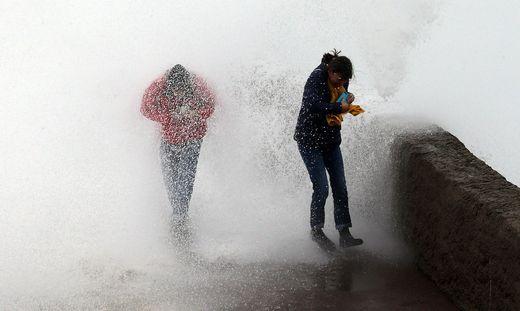 Weiterhin keine Entwarnung in der französischen Hafenstadt Biarritz
