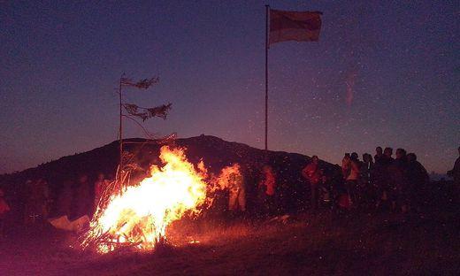Das Alpenfeuer auf dem Dobratsch soll im nächsten Jahr zum 27. Mal brennen