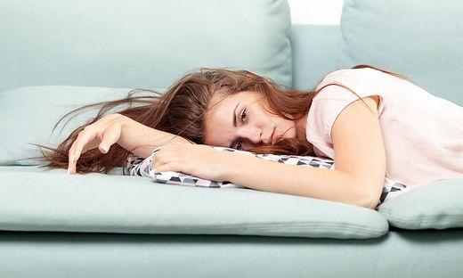 Gut die Hälfte der Erkrankten ist wochenlang müde