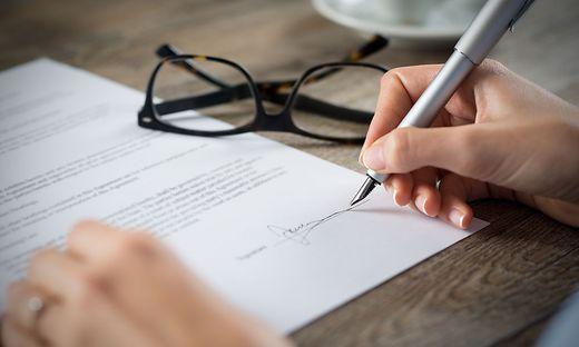Schriftliche Vereinbarung mit Unterschriften