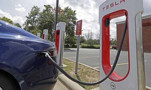 Tesla verliert weiter Geld