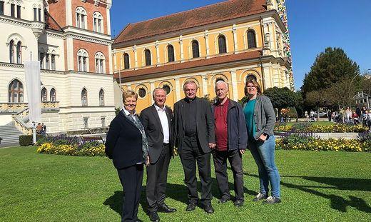 Die Feldbacher Stadtpfarrkirche muss außen umfangreich saniert werden. Für die Pfarre ist das eine große finanzielle Herausforderung.