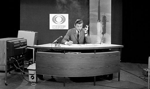 Hugo Portisch bei der Übertragung der Mondlandung.