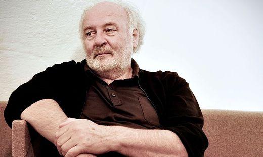 Lojze Wieser, geboren 1954 in Klagenfurt, aufgewachsen in Tschachoritsch/Cahorce, hat Wieser sich nach dem Gymnasium und einer Buchhandelslehre als Verleger ganz der Vermittlung mittel- und südosteuropäischer Literatur verschrieben