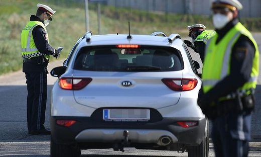Auch Polizisten sind durch Corona-Einsätze besonders gefordert