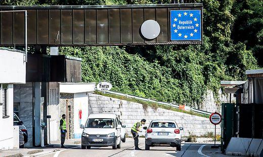 Die Präsenz der Polizei werde an den Grenzübergängen verstärkt