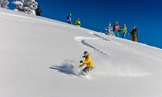Auf steirischen Bergen gibt es beste Schneebedingungen, die bis Ostern halten sollten.