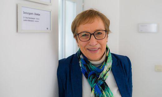 Bischof Josef Marketz muss jetzt entscheiden, wer Anna Hennersperger als Direktorin des Bischöflichen Seelsorgeamtes nachfolgt