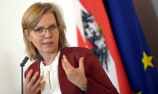 Verkehrsministerin Leonore Gewessler