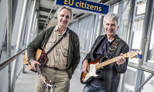 Harmonisch, aber nicht oberflächlich: Die Songs von Hans und Werner Delanoy, die manchmal an der Uni auftreten