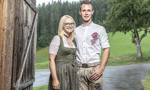 Manuel mit seiner ersten Bewerberin am Hof, die 19 Jahre alte Birgit aus Oberösterreic