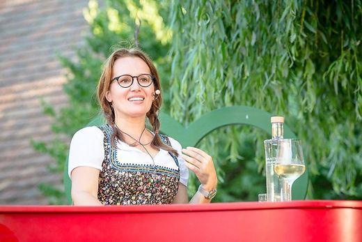 Betty O. freut sich schon auf ihr Weinberg-Openair in Gamlitz