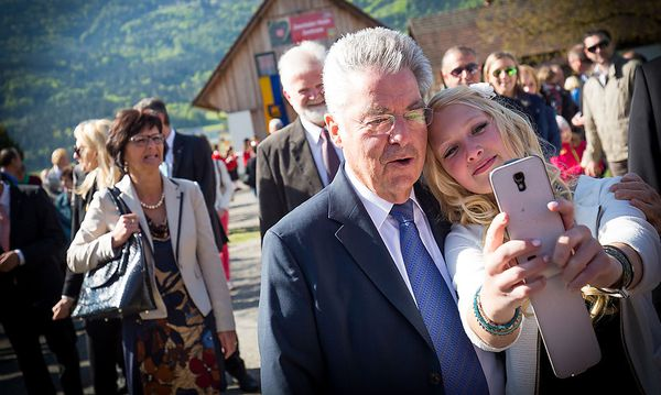 Bei seiner Tour durch Neuhaus zeigte Bundespräsident Heinz Fischer keine Scheu