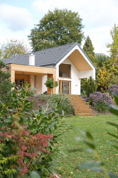 wohnportr t ein bungalow der etwas anderen art. Black Bedroom Furniture Sets. Home Design Ideas