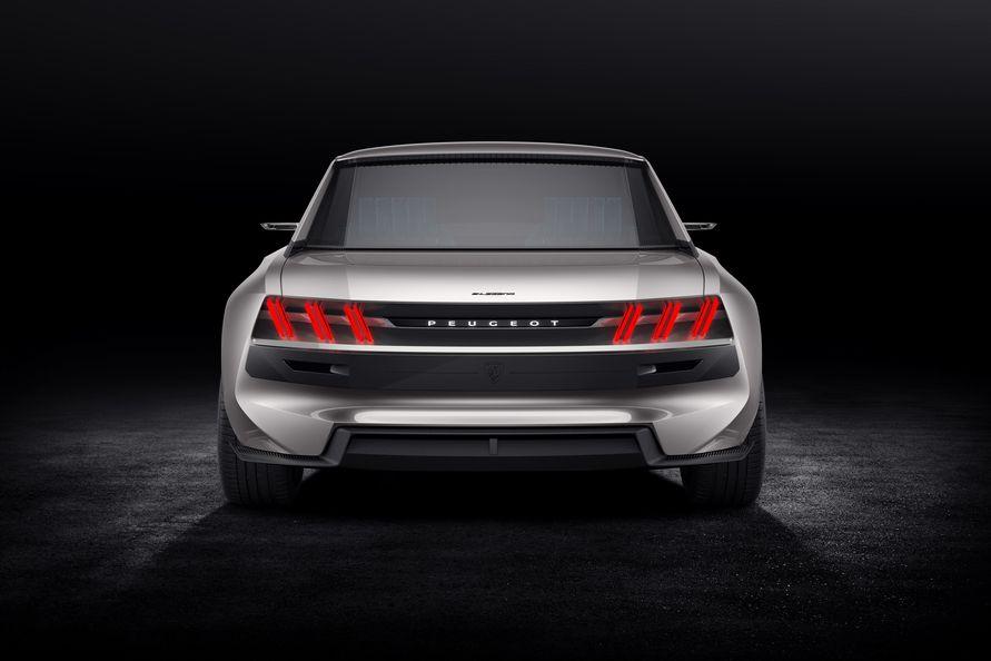 Showcar Der Peugeot E Legend Fahrt Zuruck In Die Zukunft