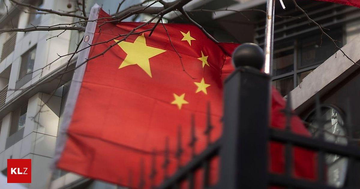 Chip in Schuluniformen: So geht China gegen Schwänzer vor