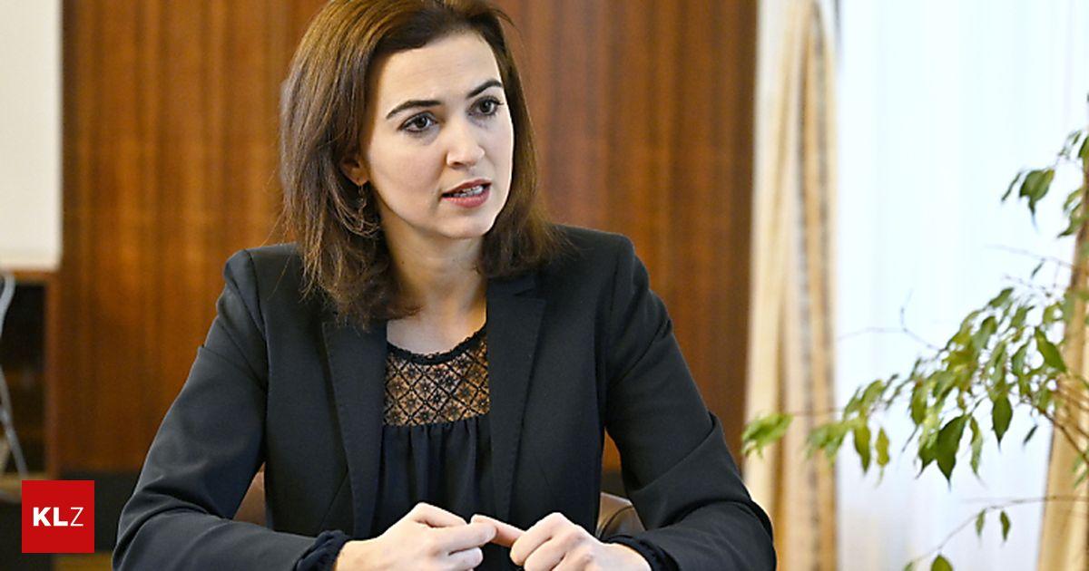 Hass im Netz: Ministerin Zadic will Ermittlungspflicht